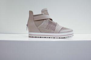 Schuhe mit integriertem Keilabsatz